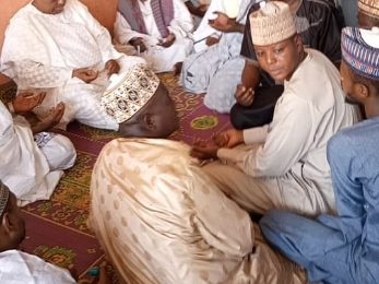 Mannir Yakubu Visits Family of Late khalifa Abba Abdullahi